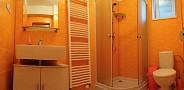 Privát Emilly, Pavčina Lehota - kúpeľňa v 4-posteľovej izbe